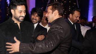 getlinkyoutube.com-Salman khan Dance With Abhishek Bachchan At Shahrukh Khan's Party