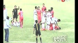 Rekaman Kerusuhan pemain & Penonton PERSIS Solo VS Martapura FC  Telan 1 Korban Meninggal