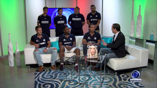 El equipo Naples United Futbol Club visita D'latinos. Vicente Sandoval invita a la comunidad