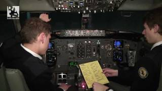 getlinkyoutube.com-Boeing 737 -- From Cold and Dark to Ready for Taxiing
