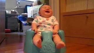 funny baby طفل يضحك