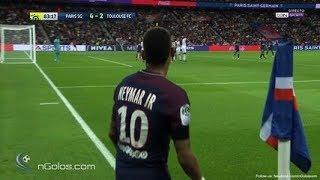 Le PSG fait le spectacle contre Bordeaux (6-2) et prend seul la tête du classement