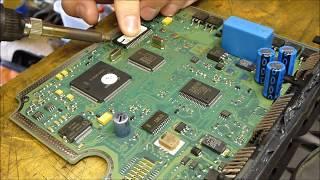 getlinkyoutube.com-How to de-solder and repair broken Bosch EDC15C2 ECU from 2.0 HDI.