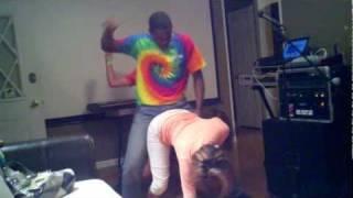 getlinkyoutube.com-Black guy teachin white boy how to wibble wobble on hot girls