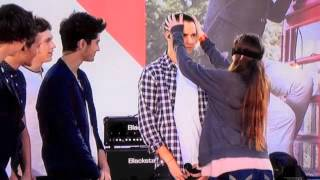 getlinkyoutube.com-One Direction, and lucky fans game on Ellen