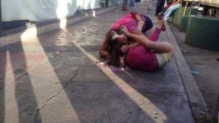 getlinkyoutube.com-Prostitutas peleando en la calle México DF