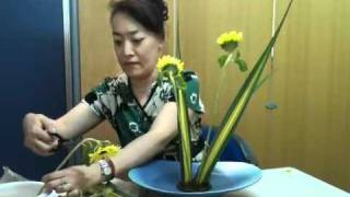 getlinkyoutube.com-3分間いけばな Ikebana in 3 minutes part5