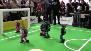 getlinkyoutube.com-RoboCup German Open 2009 Humanoid Final: NimbRo vs. Darmstadt Dribblers