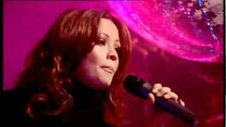 getlinkyoutube.com-Girls Aloud - Something Kinda Ooooh (TOTP Christmas Special 2006)