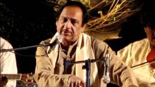 Itna Toota Hoon Keh Chhoonay Se Bikhar Jaoon Ga - Ghulam Ali.flv width=