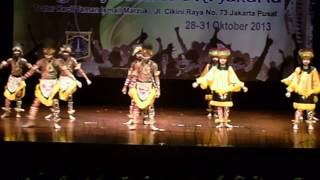 getlinkyoutube.com-TARI BERBURU (Papua) - SMP NEGERI 57 JAKARTA