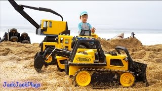 Construction Toys for Kids in Action at the Beach: Big Tonka Truck Collection Digging width=