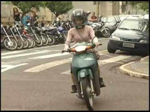 Pesquisa aponta aumento de 20% em habilitações de moto para mulheres