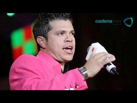 El Video  JORGE MEDINA DE LA ARROLLADORA LE LEVANTA LA FALDA A UNA FAN
