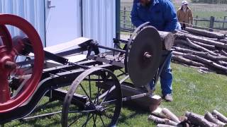 getlinkyoutube.com-Diebold Open House - Hit and Miss engine running a Cordwood Saw