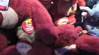 getlinkyoutube.com-Cuddly Toys Disneyland Paris Shopping