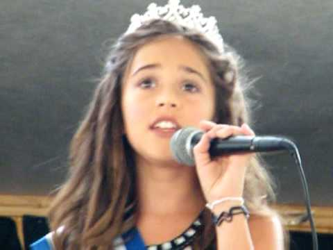 Presley sings Aguilera 's Beautiful at Laurel County Kentucky Fair 2010 Preteen pageant winner