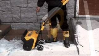 getlinkyoutube.com-家庭用小型電動除雪機「スノーパワー」