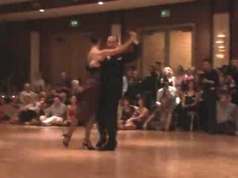 Luis Castro & Claudia Mendoza - Vuelvo Al Sur (Astor Piazzolla) - Nora's Tango Week 2008
