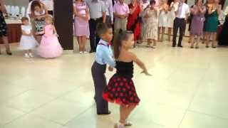 getlinkyoutube.com-Mr & Missis Mihai Ungureanu & Ionela Tarus Ballroom Dancing kids dancing  Деца данцинг