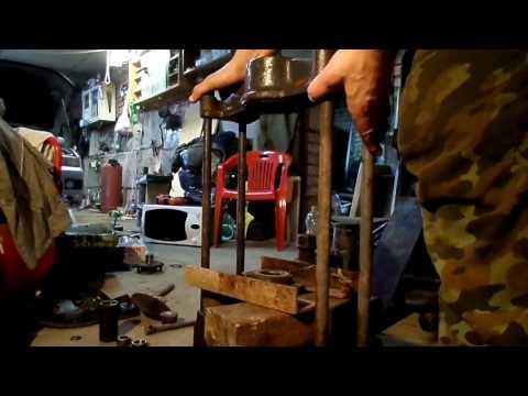 Галант меняем подшипник ступицы в гараже.