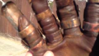 getlinkyoutube.com-Custom Freddy vs. Jason glove (battle damaged)