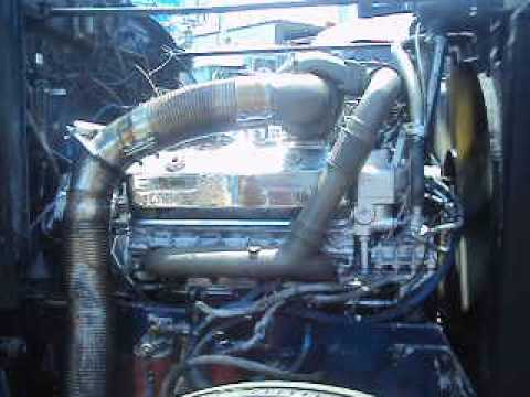 Loud jake brake test on 8v92ta Detroit running in a 79 Peterbilt 359 no pipes 2