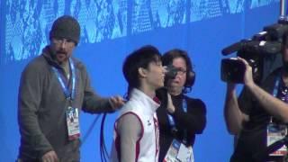 getlinkyoutube.com-Sochi 2014 Yuzuru Hanyu before men's flower ceremony 00724