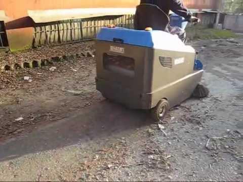 IS115 - IS120 Dizel Motorlu Süpürme Makinası Sürücülü