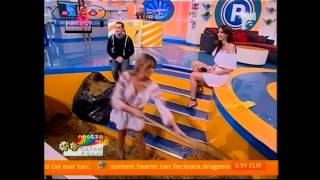 getlinkyoutube.com-Oops OnTV Game Show - country girl have a big heart -)