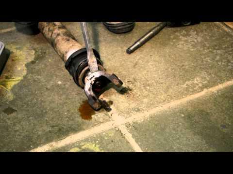 Снятие вилки кардана перфоратором