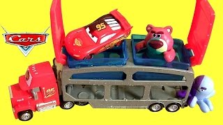 getlinkyoutube.com-Cars Color Changers Mack Dip & Dunk Trailer Toy Color Shifters Hot Wheels Toy Story Colour Ramone