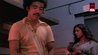 getlinkyoutube.com-Aswaradham Malayalam Romantic Movie Scene - Sreevidya Romantic Scene [HD]