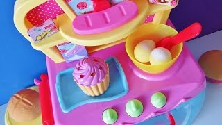 getlinkyoutube.com-Electronic magic toy oven baking bread rolls muffins sparkling cupcakes cozy village