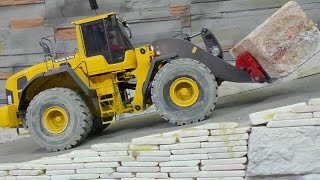 getlinkyoutube.com-RC WHEEL LOADER VOLVO L250G, FIRST THEST THE NE ENGINE AND FORK LIFT