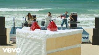 getlinkyoutube.com-DNCE - Cake By The Ocean