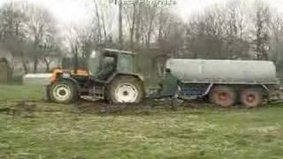getlinkyoutube.com-Wpadka; Massey Ferguson 6170 wyciąga Renault 155,54 power