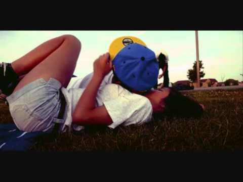 Фото как целуются на аву