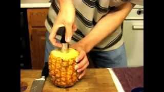getlinkyoutube.com-Как быстро и правильно почистить ананас.