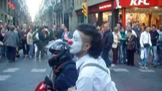getlinkyoutube.com-Clown Rambla Barcelona super