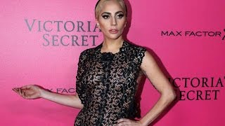getlinkyoutube.com-Lady Gaga at Victoria's Secret Fashion Show Red Carpet 2016 | WATCH VIDEO