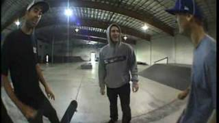 getlinkyoutube.com-Game of Skate - Rob Dyrdek vs Eric Koston