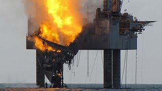 getlinkyoutube.com-OIL RIG FIRE 2013:Gulf of Mexico drilling rig has partially collapsed off the coast of Louisiana