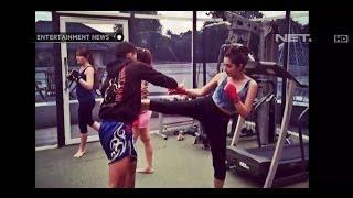 getlinkyoutube.com-Luna Maya dan Ashanty Geluti Muay Thai