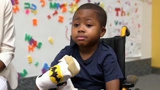 getlinkyoutube.com-Meet Zion, the first child to get a double hand transplant