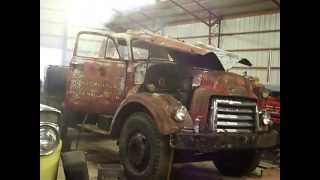 getlinkyoutube.com-Diesel Runaway!  Detroit Diesel 4-71 Runs Away After 30 Year Start, Old Guy Saves The Day!