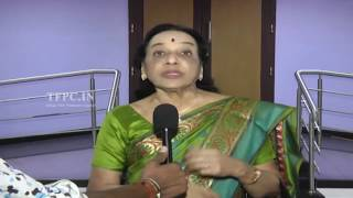 getlinkyoutube.com-Senior Celebrities watch Gautamiputra Satakarni Movie | TFPC