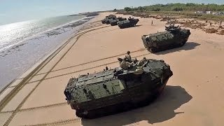 getlinkyoutube.com-AAV7上陸訓練をドローン撮影 (タリスマン・セイバー2015) - AAV7 landing training Quadcopter Shooting