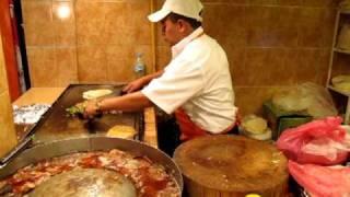 getlinkyoutube.com-Alambres at Tacos Don Guero in Mexico City