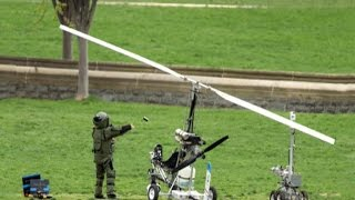 getlinkyoutube.com-Gyrocopter flouts no-fly zone, lands on Capitol lawn